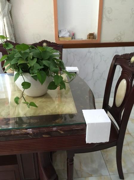 Xốp góc cạnh bàn
